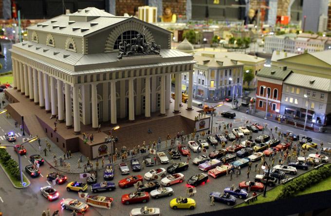 макет здание с колоннами
