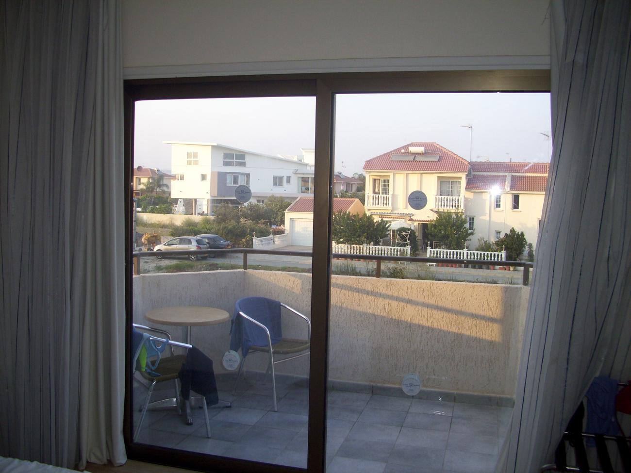 вид из окна и балкон