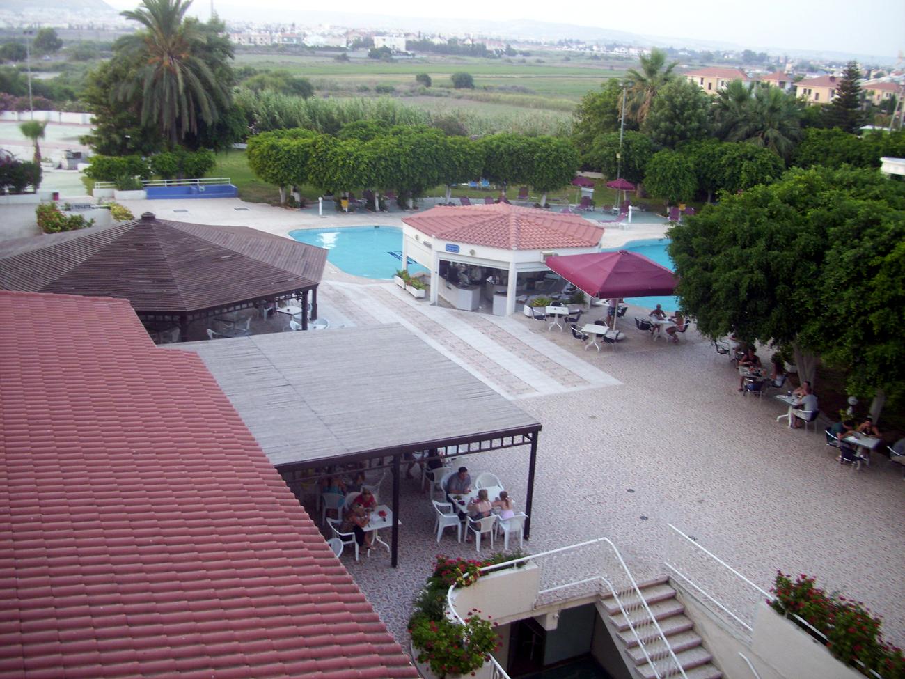 снэк бар и бассейн
