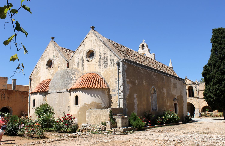 монастырь на острове