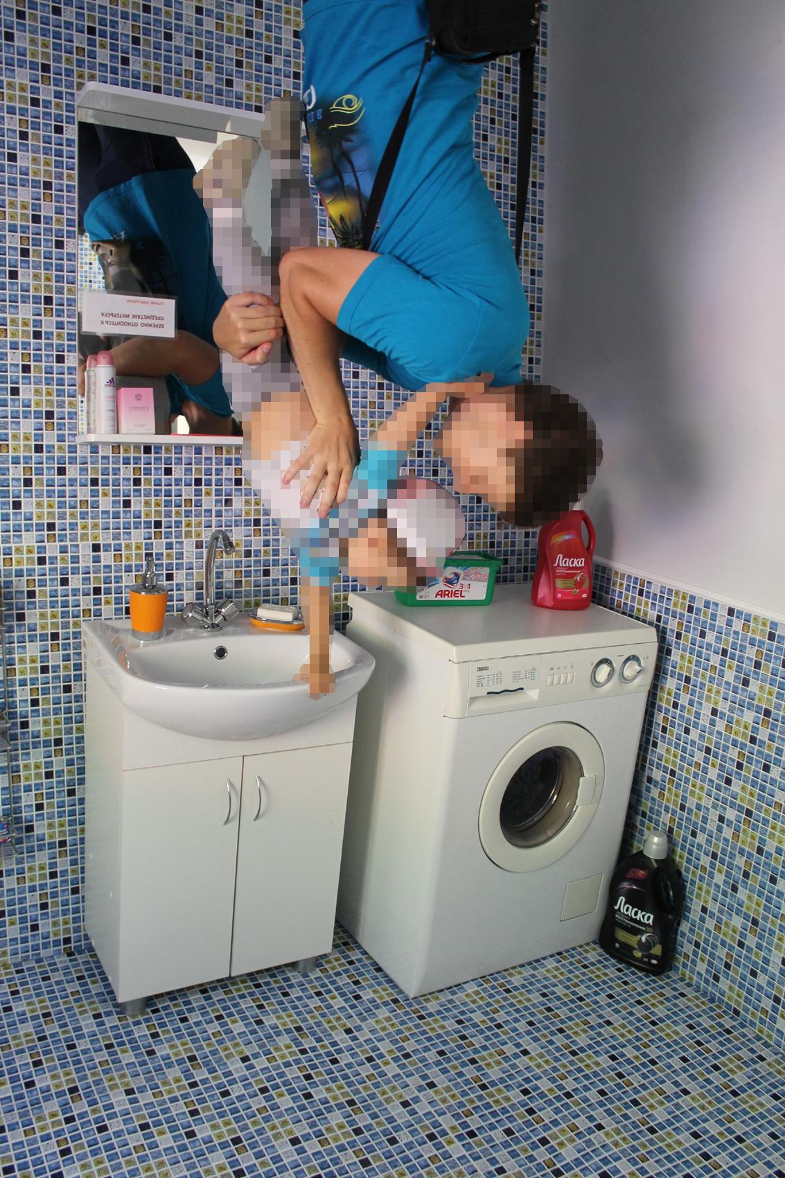 перевёрнутая ванная комната