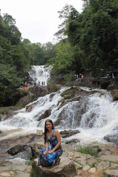 далат красивый водопад