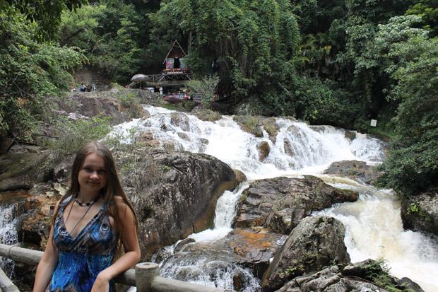 далат водопад мостики