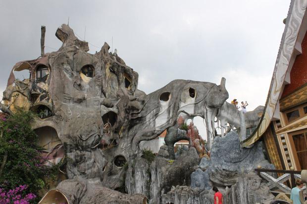 crazy house вьетнам