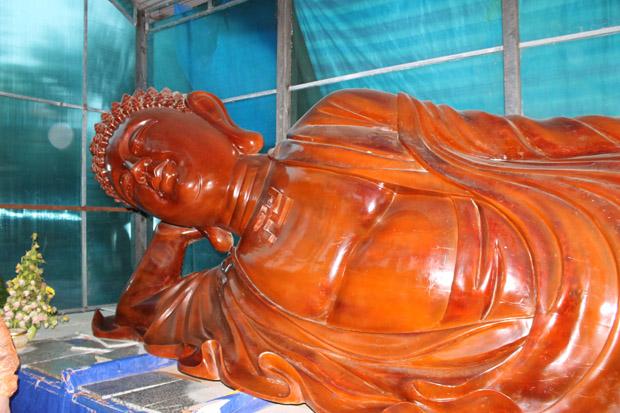 далат лежащий будда