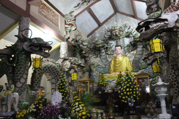 вьетнам в буддийском храме