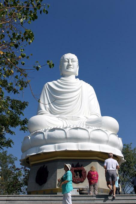 сидящий Будда нячанг